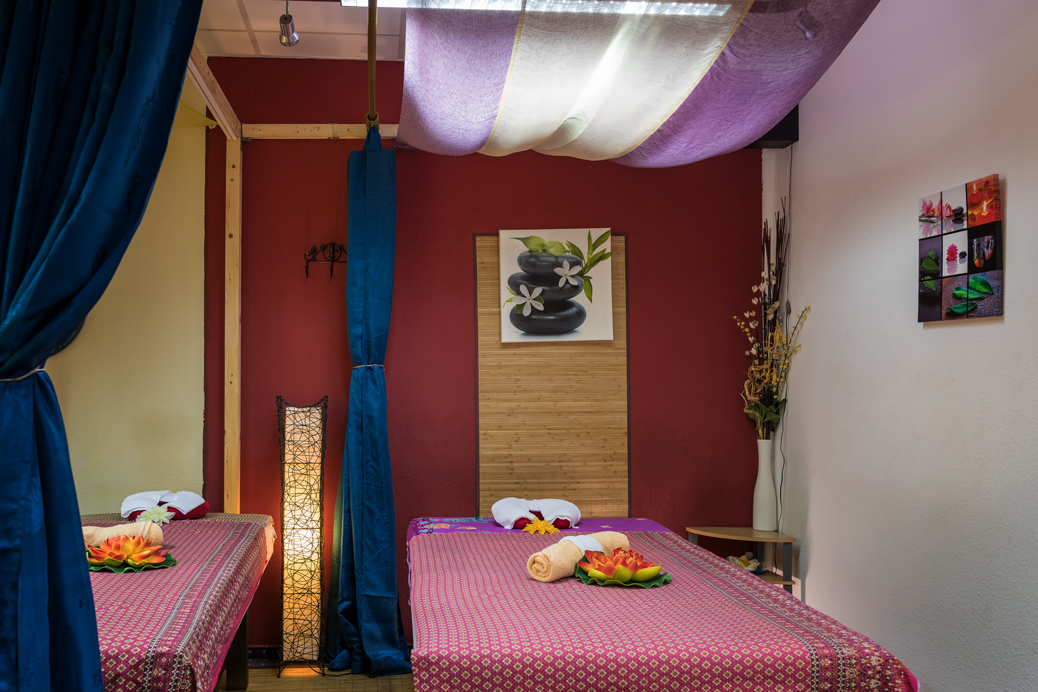 www.parnthong-thaimassage.com